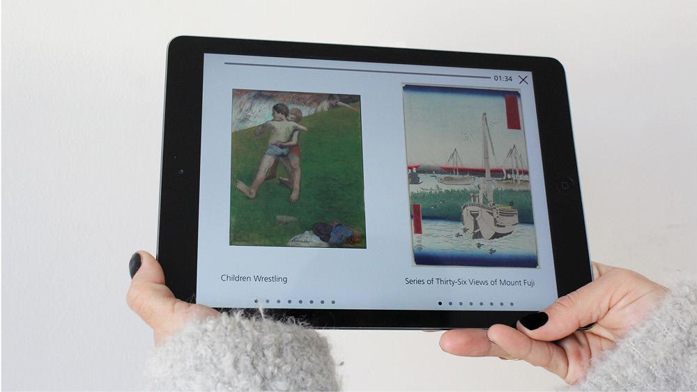 Tablet mit geöffnetem multimedialen Ausstellungsguide